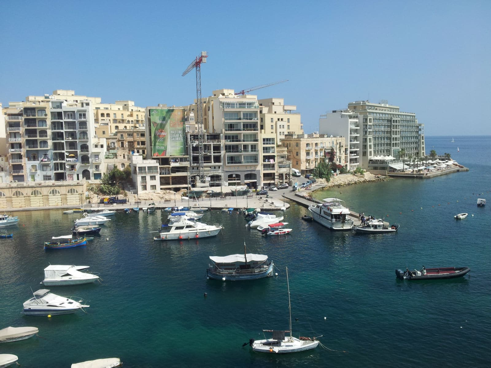 Seafront self catering holiday apartments in St Julian's (near Paceville)