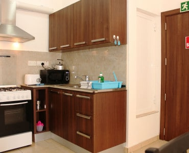Seashells Holiday Apartments well equipped kitchenette