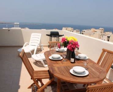 Gas BBQ seashells-1-bedroom-Sea view Holiday penthouse