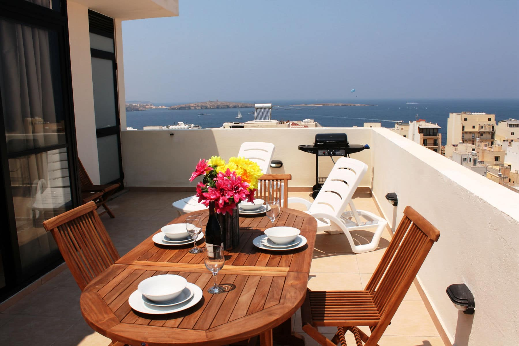 Big Seafront Terrace seashells-1-bedroomSea view Holiday penthouse