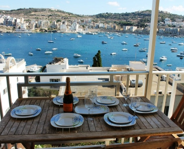 dining with great seaviews and good shade in the afternnon-w1920-h1200