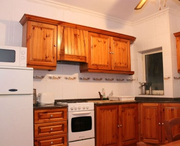 fully equipped kitchen-w1920-h1200-w1920-h1200