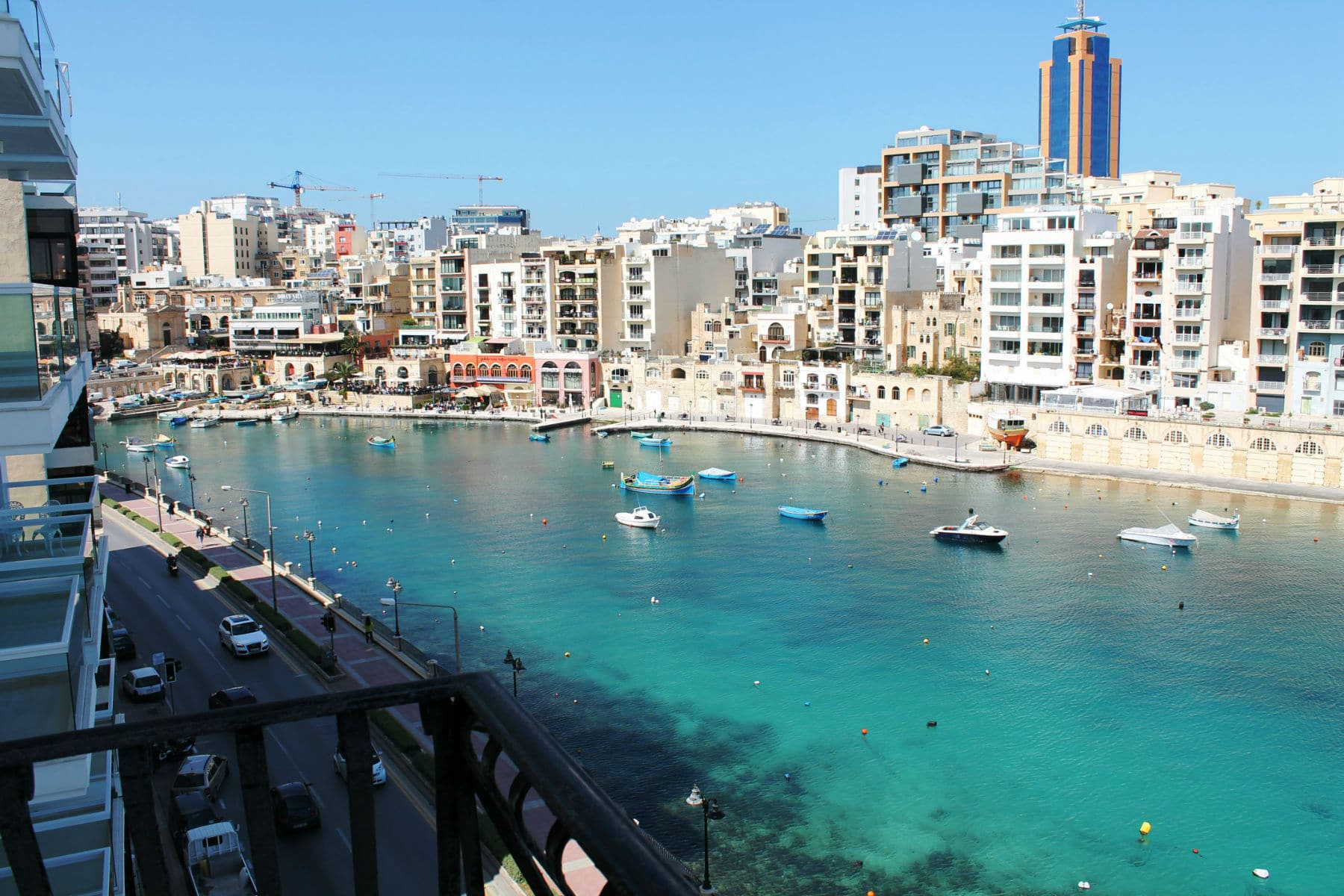 Rent Apartment St Julians Malta - Seafront Spinola Bay