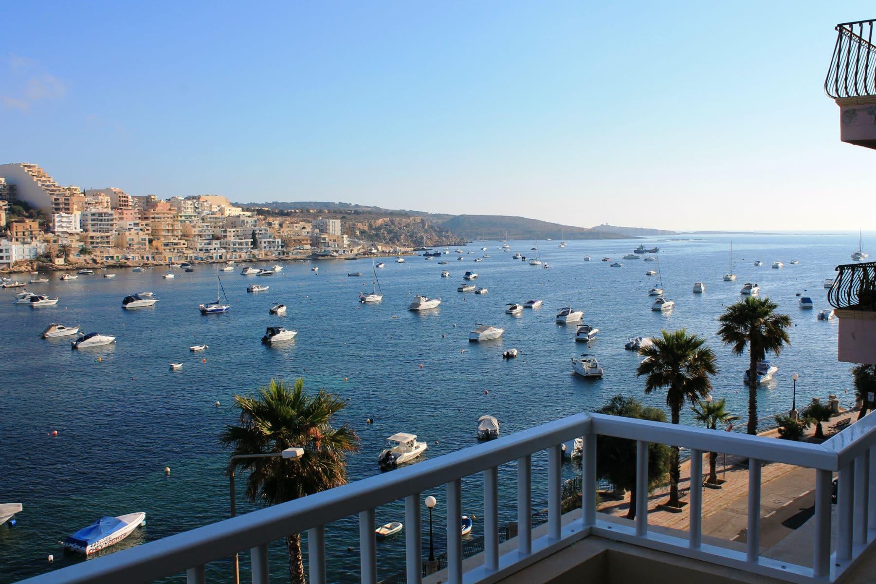 appartement de vacances, indépendant avec terrasse front de mer