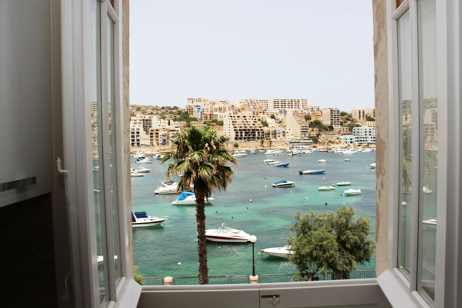 Seaviews From The Kitchen/Living/Dining Window.Blue Harbour no 2 large seafront holiday apartment