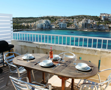 Seafront terrace also with WiFi and great views-w1920-h1200