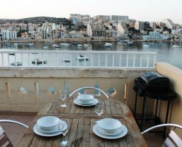 Terrace with BBQ, seating for 4-6 persons and great seaviews - Copy-w800-h600
