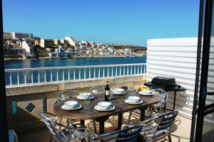 front terrace with Garden furniture BBQ and Sunbeds. (sunny in the afternoon)-w1920-h1200